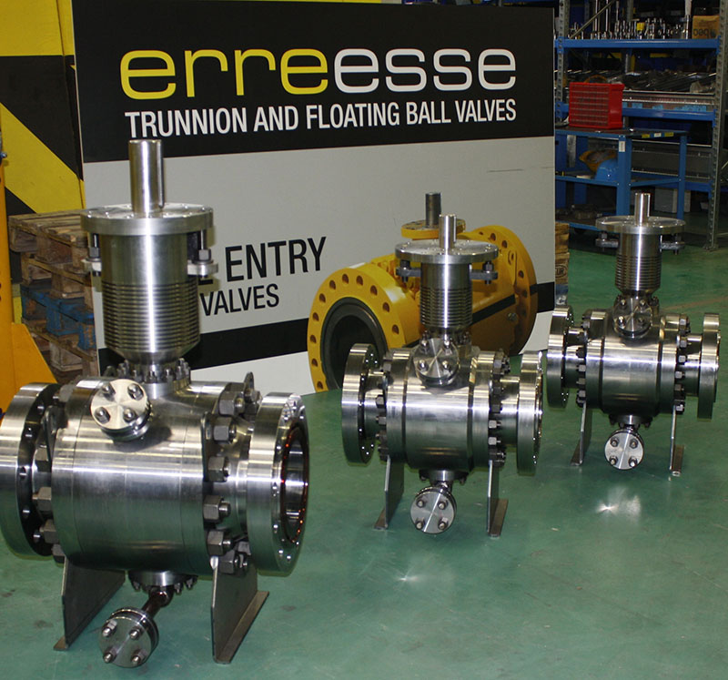 8 and 6 inch ANSI 600 ASTM A182 F5 metal seated high temperature (+496°C) trunnion ball valves