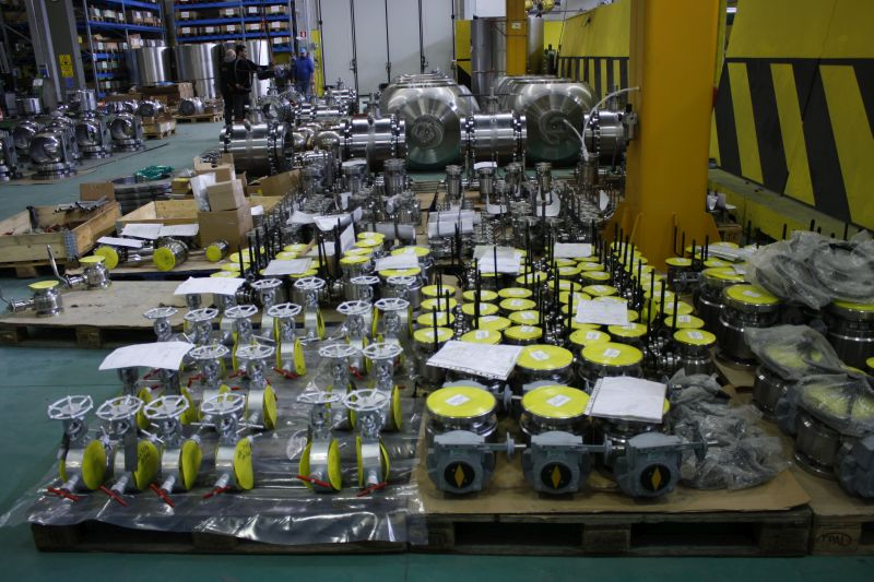 Monoflange double block & bleed, floating chevron type valves