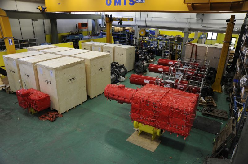 Packing area and actuated ball valves